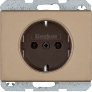 Berker - 47140001 - Steckdose Arsys